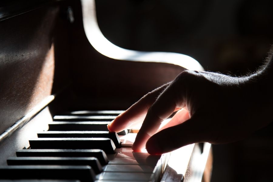 piano lessons for adults in London